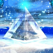Kristálypiramis a Bermuda háromszögben